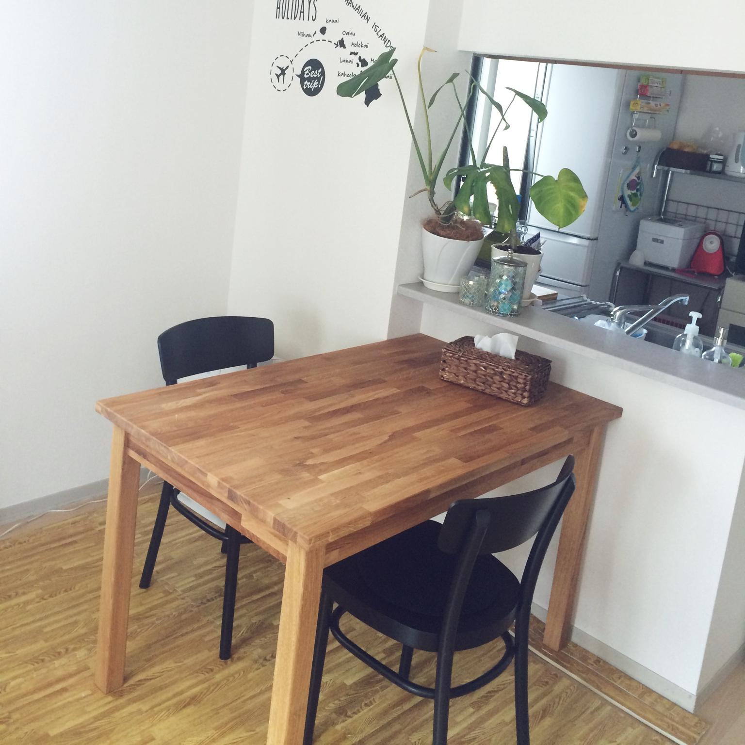シンプルだから使いやすい!IKEAのダイニングテーブル