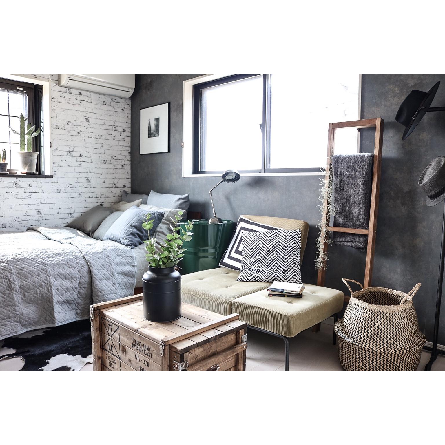 グレイッシュなカラーコーディネートで作るおしゃれなお部屋♪ | RoomClip mag | 暮らしとインテリアのwebマガジン