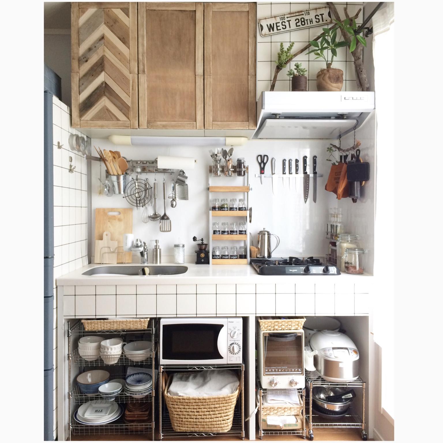 すっきり魅せる生活感♪収納ワザの光るキッチンインテリア | RoomClip mag | 暮らしとインテリアのwebマガジン