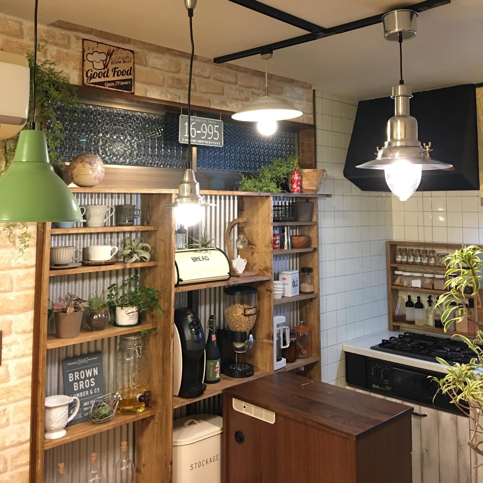 DIYにチャレンジ!部屋を素敵に魅せる飾り棚のDIY実例 | RoomClip mag | 暮らしとインテリアのwebマガジン