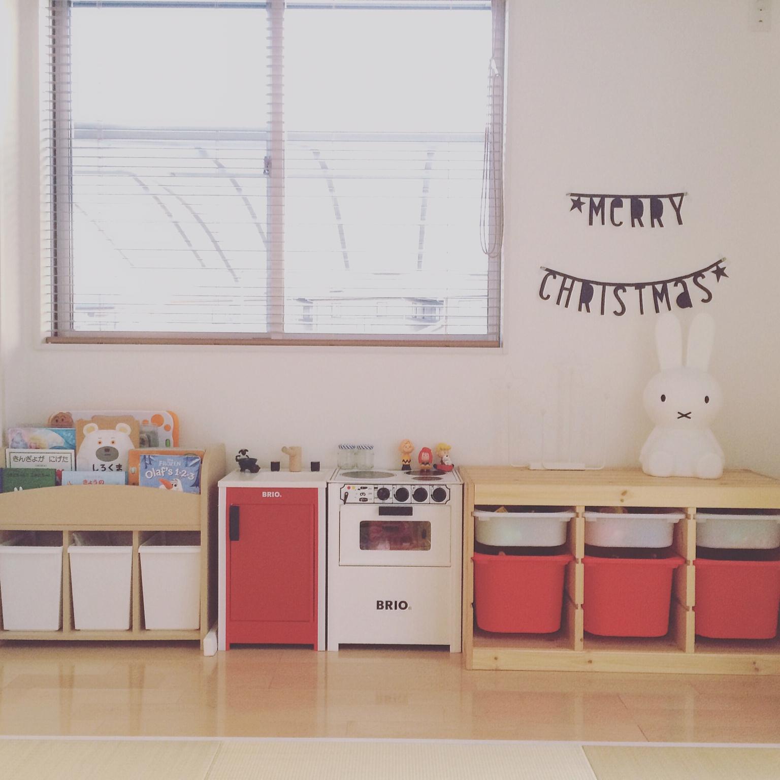 可愛くって機能的。IKEAのTROFAST & STUVAでおもちゃ収納 | RoomClip mag | 暮らしとインテリアのwebマガジン