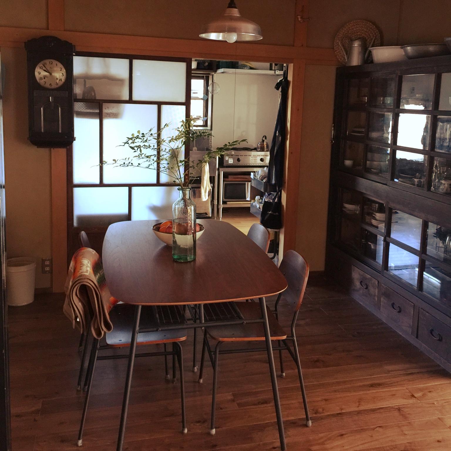 女性で、3LDKの店なし雑貨屋/和風住宅/タイル/業務用キッチン/マリメッコ/ホーロー…などについてのインテリア実例を紹介。