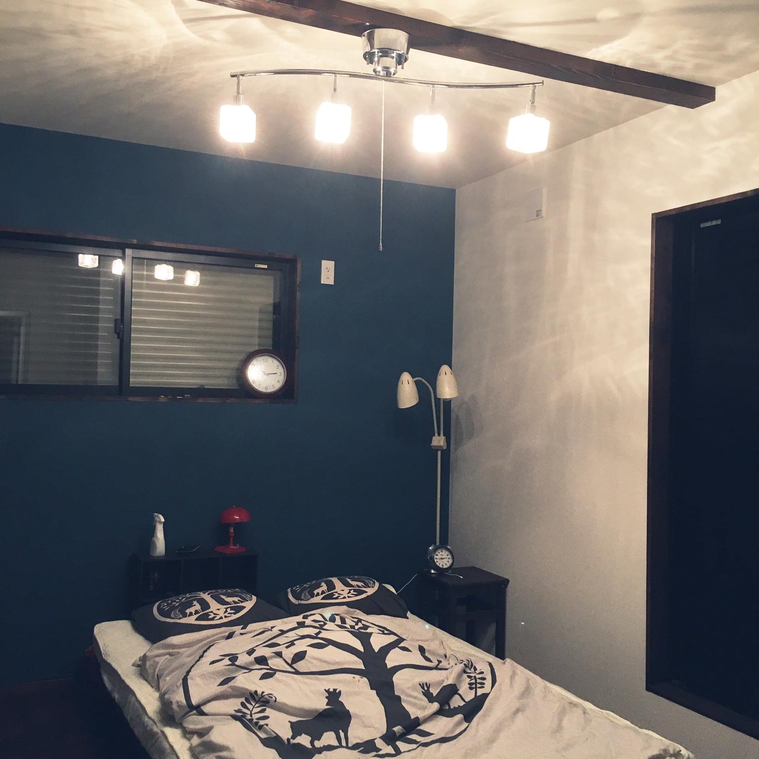 の無垢材の床/注文住宅/無垢材/アクセントクロス/アクセントクロス ブルー/IKEA…などについてのインテリア実例を紹介。