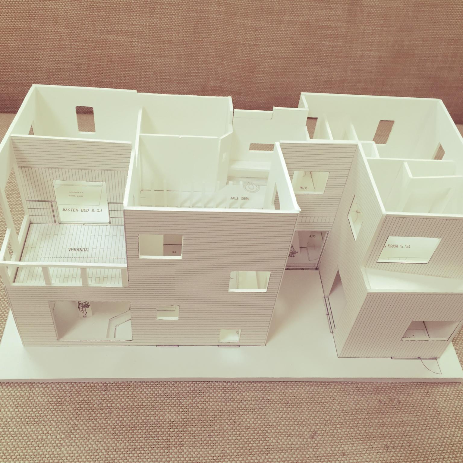 女性で、4LDK、家族住まいの新築マイホーム/模型/はじめまして♡/部屋全体についてのインテリア実例を紹介。