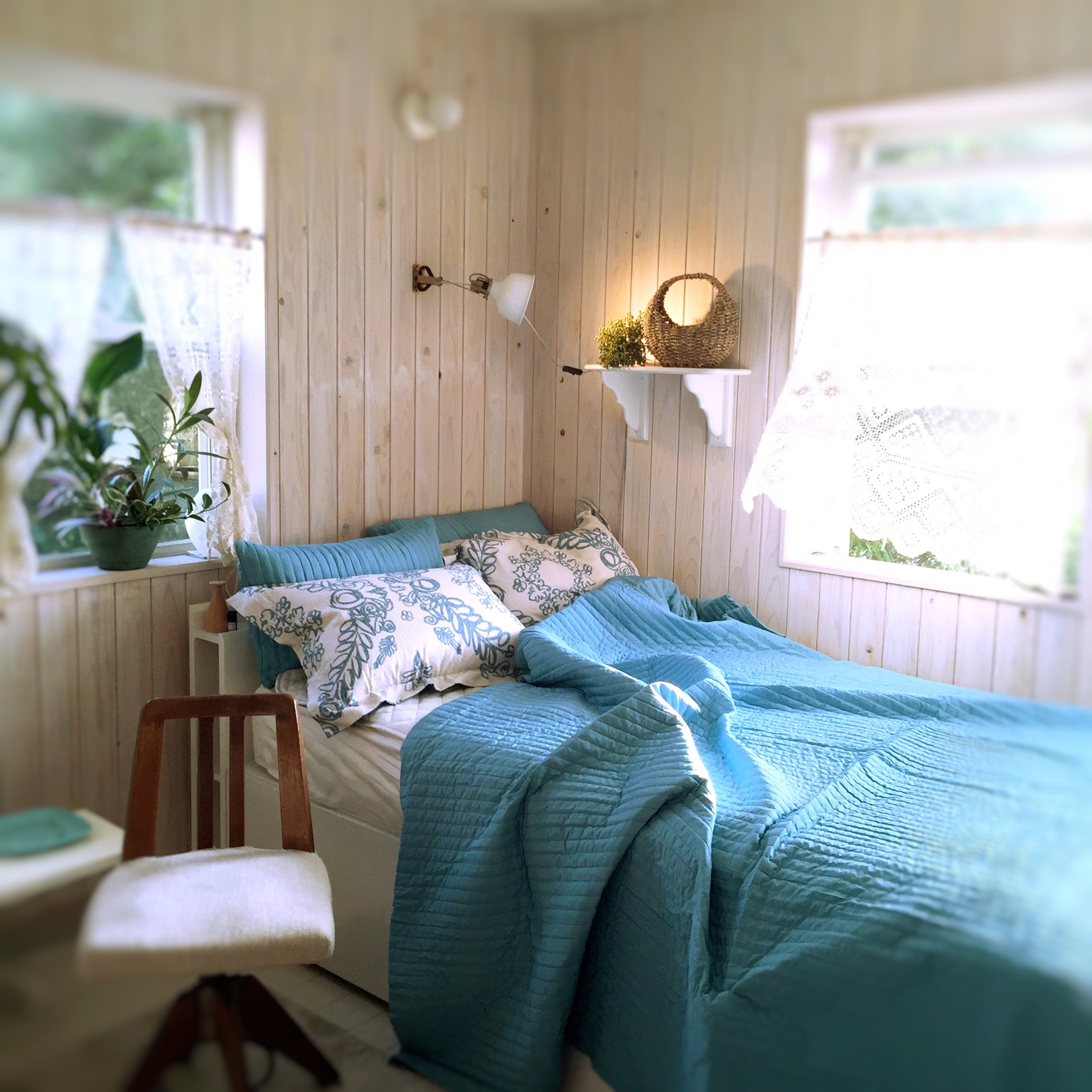 夏を快適に過ごすベッドルームの作り方、10のコツ♪ | RoomClip mag | 暮らしとインテリアのwebマガジン
