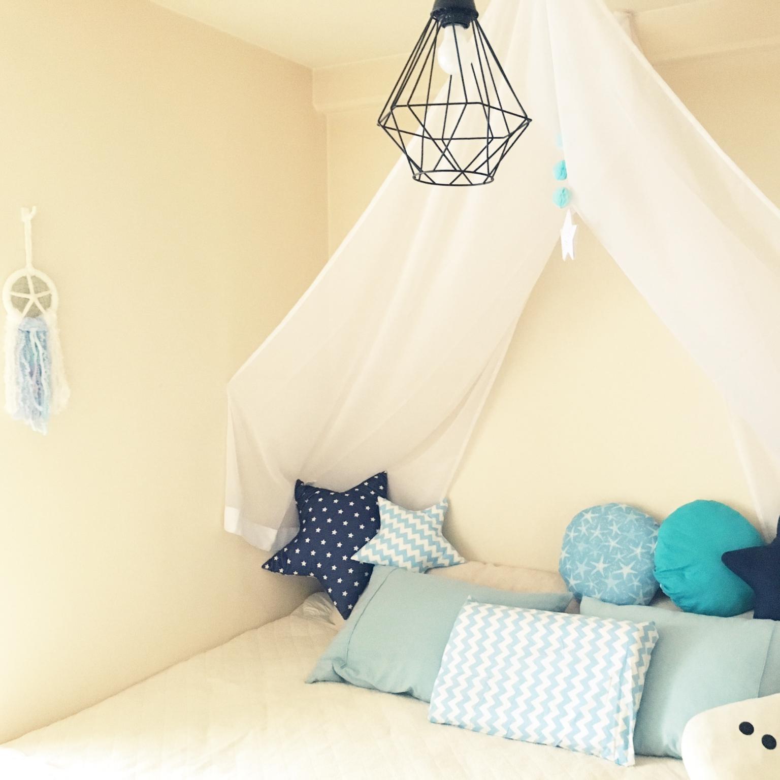 ベッドルームが癒しの空間に♡簡単にできるベッドメイクのテクニック