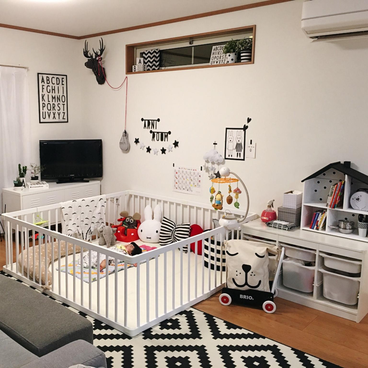 ウォールデコでアクセント!「赤ちゃんがいる暮らし」とモノトーンインテリアを楽しむ 〜RABIさん〜[連載:RoomClip_新人ユーザー紹介]