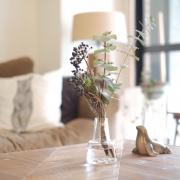 そのお花、どんな花瓶に飾る?花瓶の種類とディスプレイ