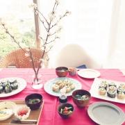 ギャザリングしよう!花やグリーンのあるテーブルコーディネート。