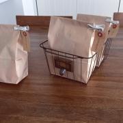 紙袋に関連する他の写真