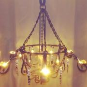 100均材料でシャンデリア!!手軽に作れる優雅な照明☆ by suzurinさん [連載: 10分でできる100均リメイク]