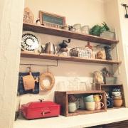 嫁入り道具をリメイクです。生まれ変わったカフェ風ディスプレイ食器棚 by miyaさん