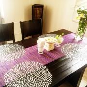 テーブルランナーを使ってテーブルを豪華にコーディネート