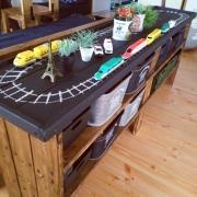 お片付けを遊びの延長に!hisayuさん流、遊べるおもちゃ収納の作り方