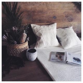 女性の、1R、家族住まいの「ベッド周り」についてのインテリア実例
