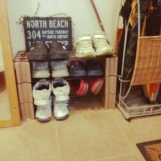 出典 img1.roomclip.jp. 簡易的な靴箱