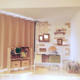 pinterest as リビングの出窓スペース。 台形だから難しい(°_°)。○ もう少...