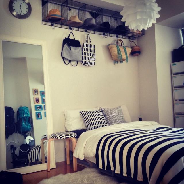 寝室で眺めてうっとり♪アルテックのスツールは魅力が満載