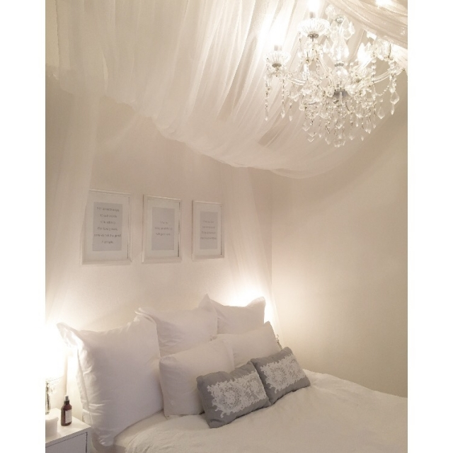 ホワイトインテリアで快眠♪寝室ファブリックのコーデ術