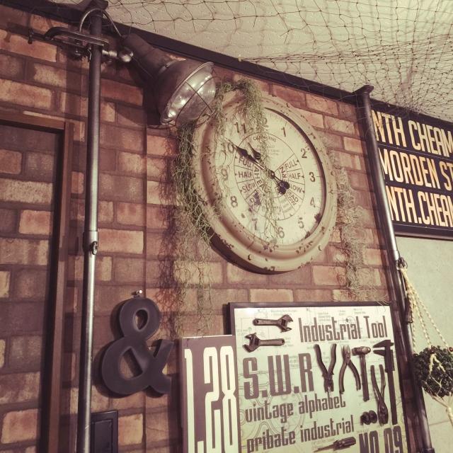 On Walls,レンガ,インダストリアル,いなざうるす屋さん,&,工具オブジェ,ガスサインパネルのインテリア実例 | RoomClip (ルームクリップ)