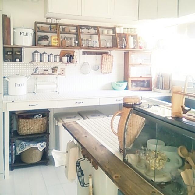 Kitchen,ナチュラル,レトロ,セルフリフォーム,タイルキッチン,築40年以上,籐のポット,カウンターDIY,いいね&フォローありがとうございます☆,古いおうちのインテリア実例 | RoomClip (ルームクリップ)