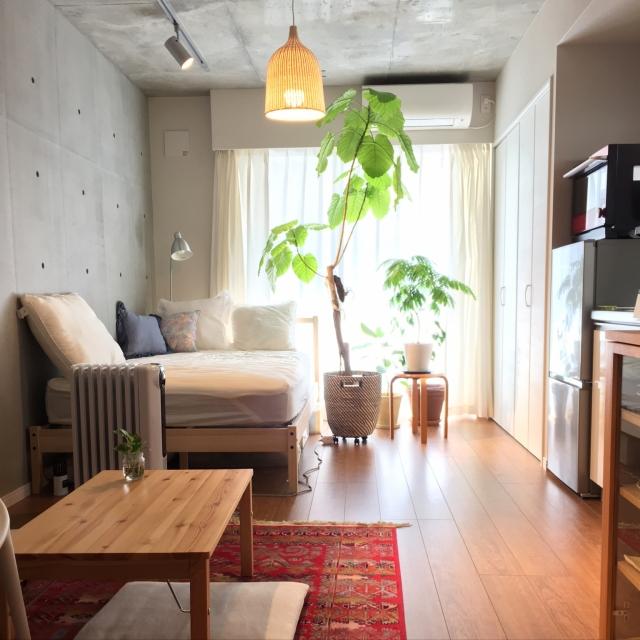 「33m2。女性的なコンクリート打ちっぱなし部屋の作り方」 連載:ワンルーム1Kの暮らし by mashumaroさん