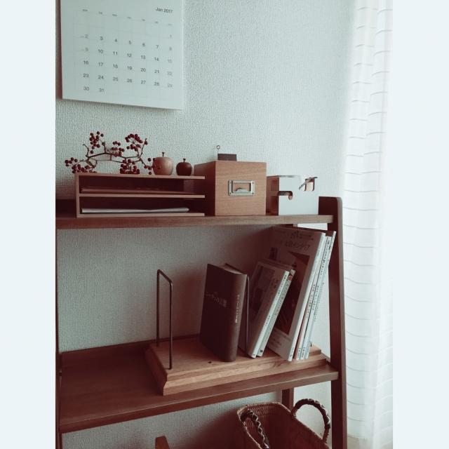 「静かな佇まい。棚の風景が絵になりはじめるブックスタンド」 by fumisuke25さん