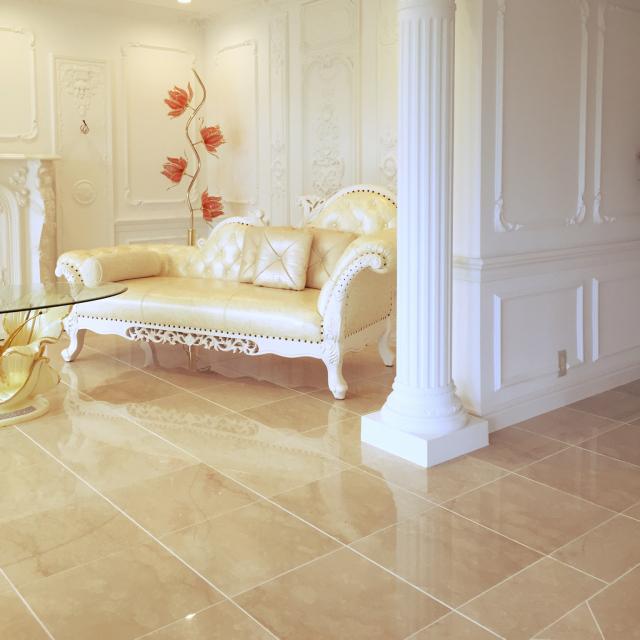 憧れる♡デコラティブ家具を取り入れた華やかなお部屋