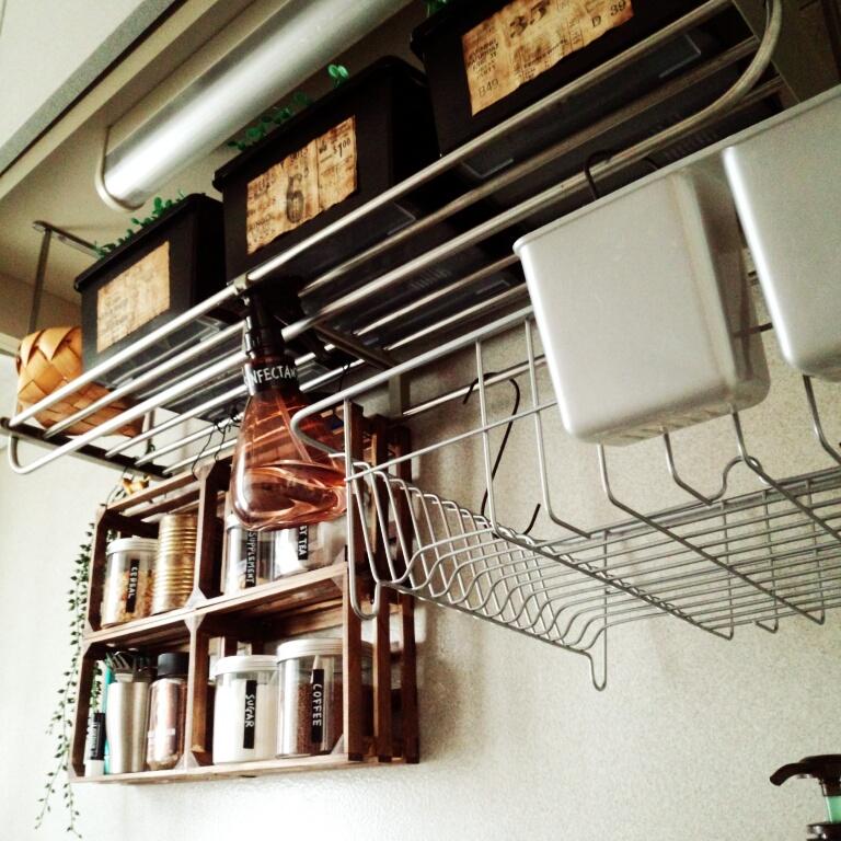 デッドスペースを見逃さない!万能な吊るす収納実例10選