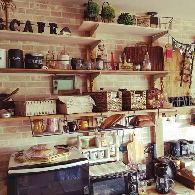 お家の中でカフェ気分♪壁面インテリアでカフェ風空間を
