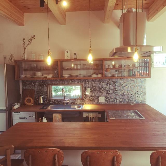 ナチュラルな魅力!木の美しさが映えるキッチン