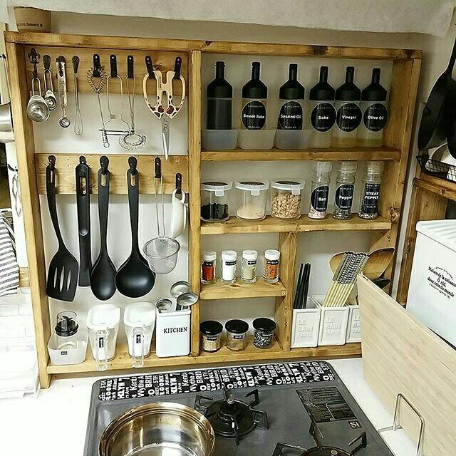 使いやすいキッチンは自分で作る!キッチン収納DIY実例集