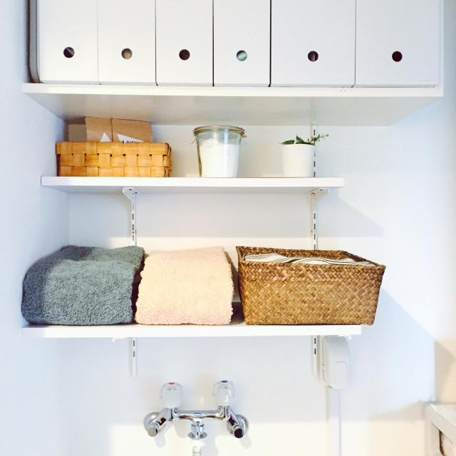 センスよく使いやすく♪ 洗面所の吊り戸棚・活用アイデア