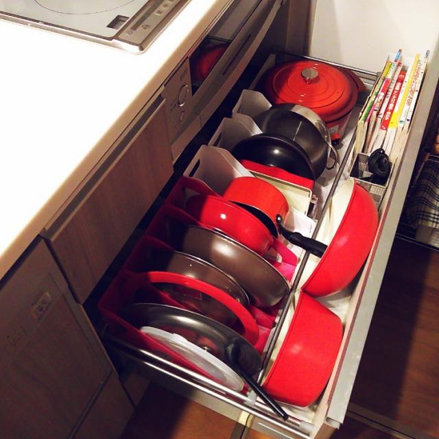 キッチンで大活躍!ブックスタンドを使った収納実例選