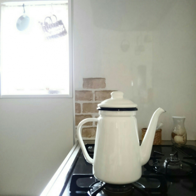 小粋で実用的!ニトリのホーローケトル&コーヒーポット