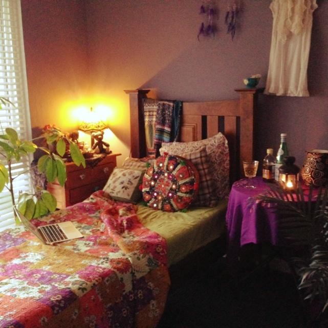 女性で、3LDKのボヘミアン/木の家具/民族 /ライト/アジアン雑貨/カラフル…などについてのインテリア実例を紹介。