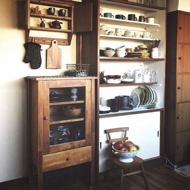 アンティークの家具でまとめられたキッチン
