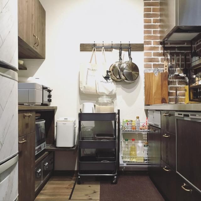 スペースも取らない♪IKEAのワゴンでキッチンをすっきり