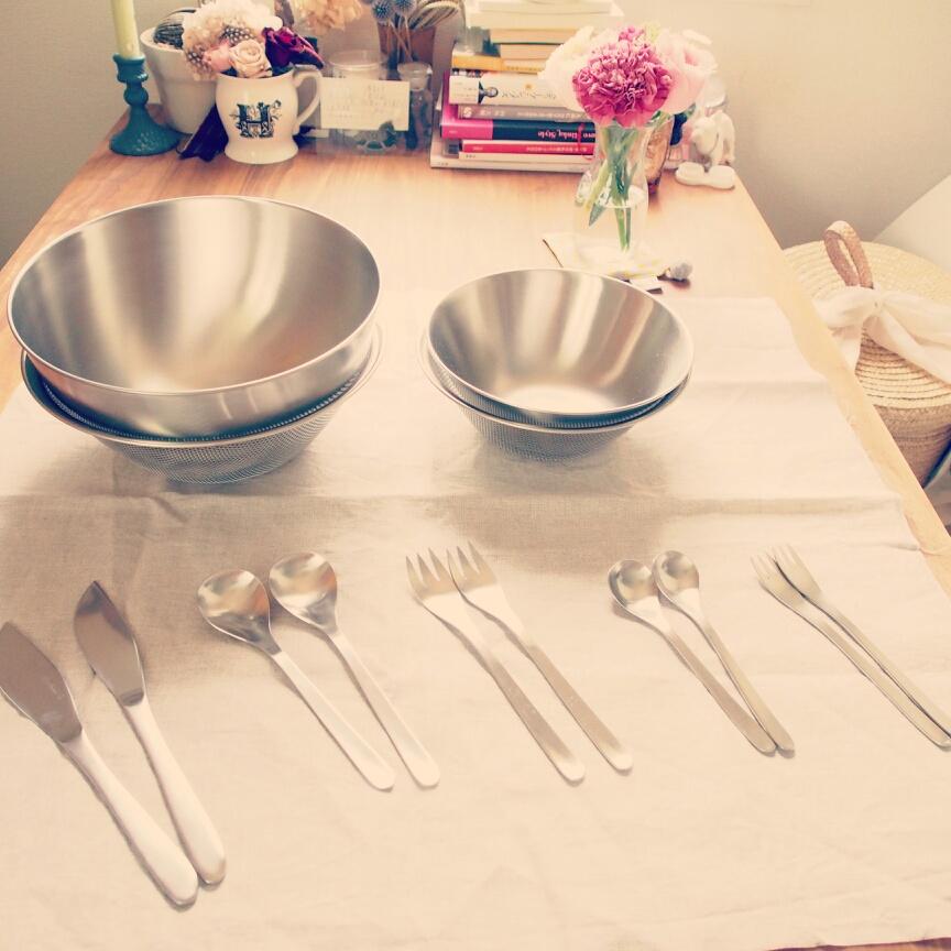 柳宗理(やなぎそうり)の調理器具やチェアで楽しむインテリア写真
