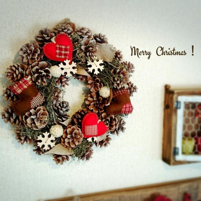 お部屋に飾るだけでクリスマスモードに♪見た目もかわいいクリスマスリース