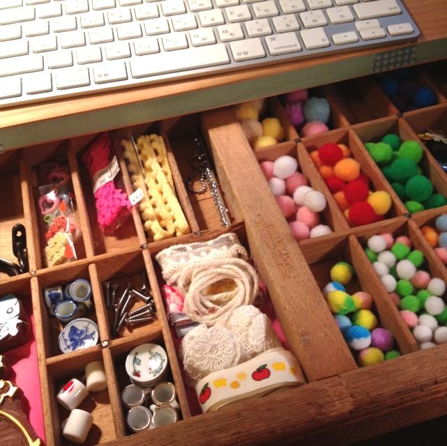 引き出しの仕切りアイデア集!衣類や小物を収納するコツ