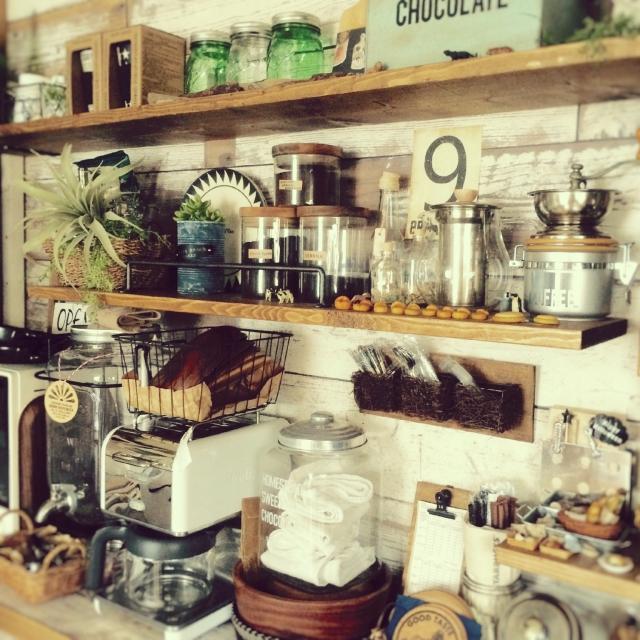Kitchen,ハンドメイド,DIY,パン,ミニチュア,カフェ風,フェイク,デロンギ,粘土,食べられません,ありがとうございます♡,シェルフDIY,雑貨大好き♡,フォローして頂きありがとうございます!,いつもいいね!ありがとうございます♪,お返事遅くてごめんなさい(人д`),よろしくお願いします(´ ˘ `๑)♡,男前もナチュも好き✩*⋆,押し逃げゴメンなさぃ|ω˂̶๑)੭༡,お邪魔出来なくてスミマセン(´・д・),RCの出会いに感謝です✯*・♡,何気に販売中✩,メイソンシャーのインテリア実例 | RoomClip (ルームクリップ)