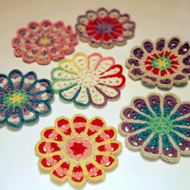 何を作ろうかな?世界にひとつだけ手編みのアイテム集