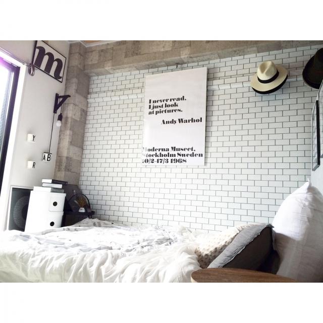 On Walls,IKEA,寝室,actus,モノトーン,ワイヤーバスケット,壁紙屋本舗,Andy Warhol,DESIGN LETTERS,楽天で買ったもの,白黒グレー,海外インテリアに憧れる,元和室,H&M HOME,6畳和室,playtype,サブウェイタイル風壁紙,ラウンドビーチタオルのインテリア実例   RoomClip (ルームクリップ)