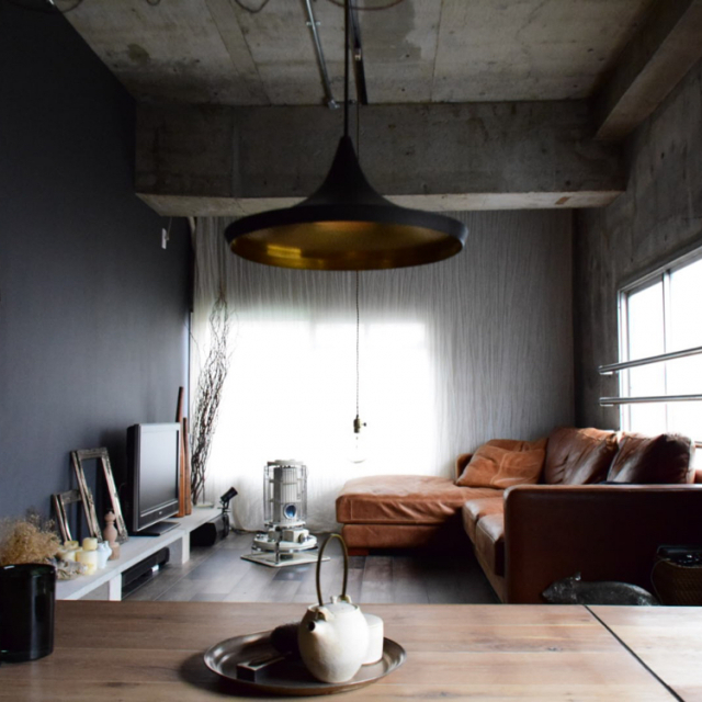 「無骨さと柔らかさの調和。ギャラリーのような佇まいの部屋」 by Yasuさん