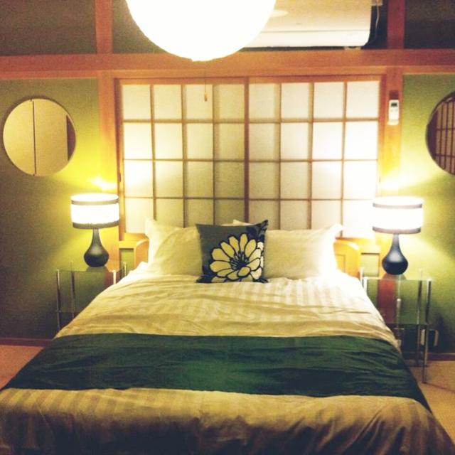 女性で、の日本家屋/#和室 #土壁 #障子 #畳 #抹茶 /#寝室 #DIY #フォーカルポイント/#ヘッドボード #丸鏡…などについてのインテリア実例を紹介。