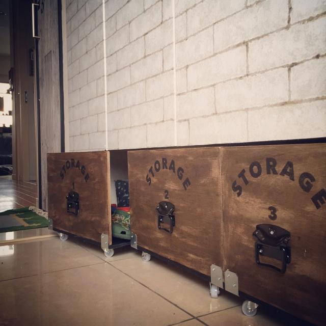 玄関スッキリ☆出し入れしやすい目隠し収納×靴箱DIY by hirohiroさん