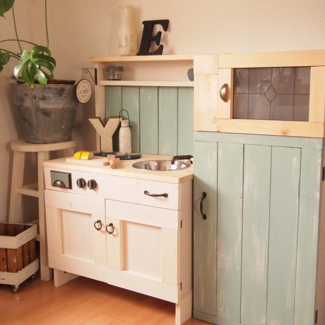 愛情こめてDIY!こだわりの木製ままごとキッチン実例選