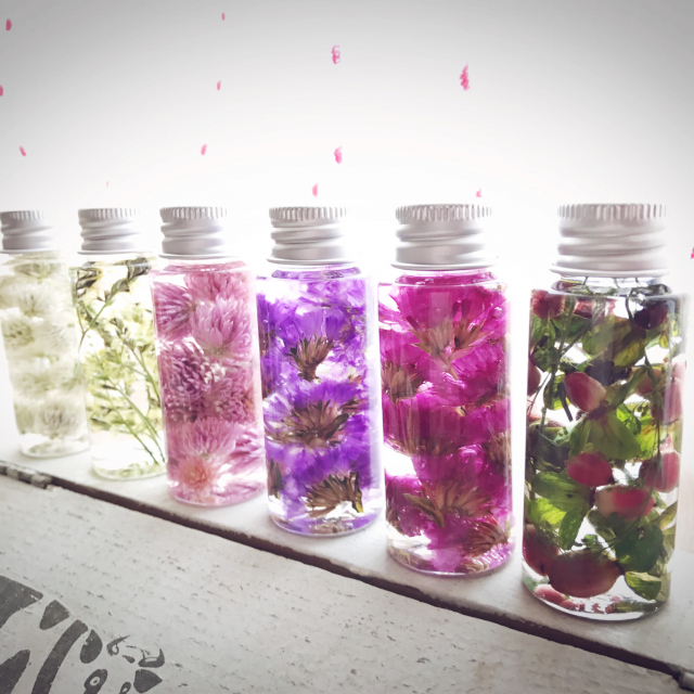 ガラス瓶×植物は好相性♡癒されること間違いなしの実例集