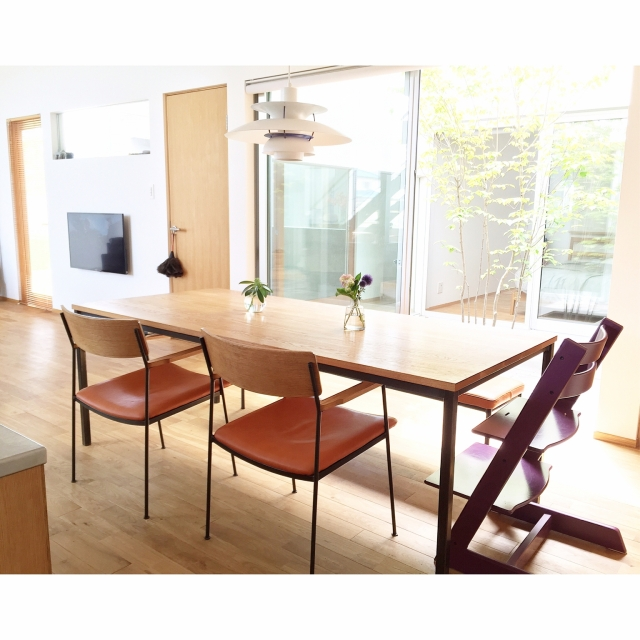 「木のぬくもりとアイアンのバランスが美しいテーブルセット」 by MICHIKOさん